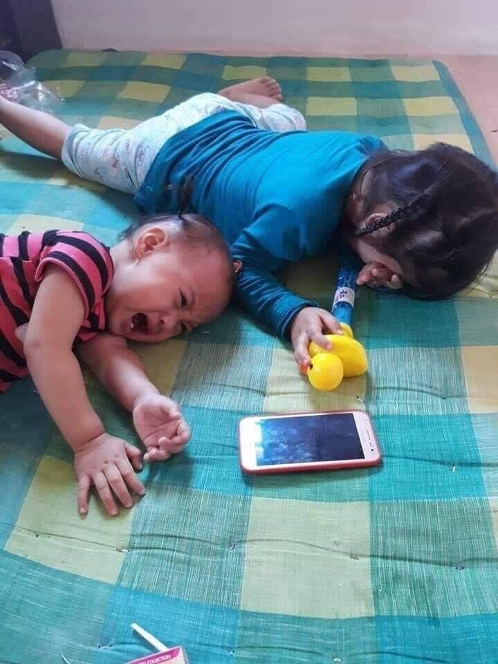 How to ensure that your children are not addicted to cell phones.